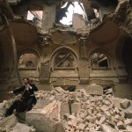 Cellist Vedran Smajlovi plays on in Sarajevo&#039;s destroyed National Library
