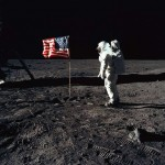 Apollo_11_Buzz_Aldrin_Salutes_US_Flag